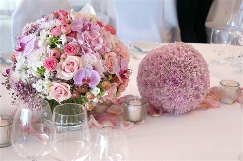 Tischschmuck Hochzeit blumen tischdekoration blumen dekoration