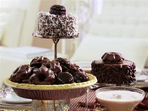 mini chocolate cake centerpieces recipe sandra lee