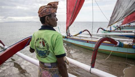 Gamis Sanur Muslim serunya lomba balap perahu jukung di sanur foto tempo co