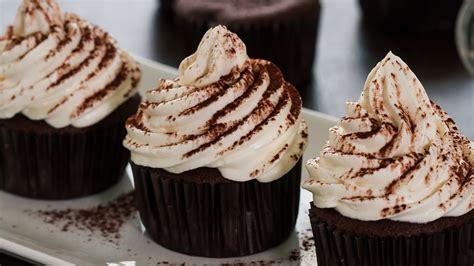 wallpaper cupcake coklat chocolate cupcakes with irish cream frosting youtube