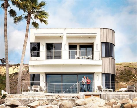 bryan cranston house breaking bad s bryan cranston s green beach house