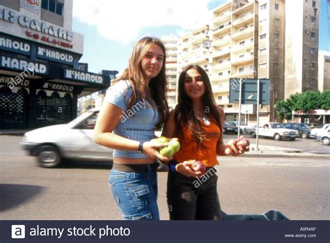 Buy Apple In Beirut Apple Day Volunteers Offer Aplle To Beirut Lebanon Stock Photo Royalty Free