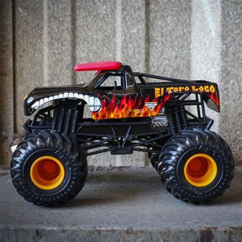 el toro loco truck 1 24 wheels el toro loco black truck