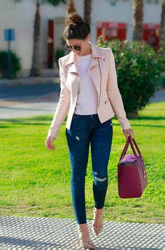 de moda blazer azul marino camisa de vestir blanca pantalon de mix and match wardrobe ideas you can mix and match to