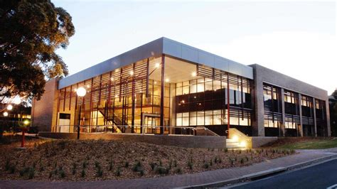 Sydney Business School Of Wollongong Mba Fees by Studyco Want To Study At Of Wollongong Studyco
