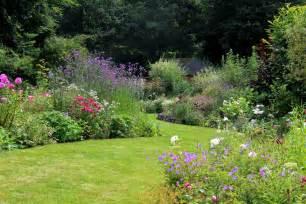 je suis au jardin dans le beau jardin de fabienne