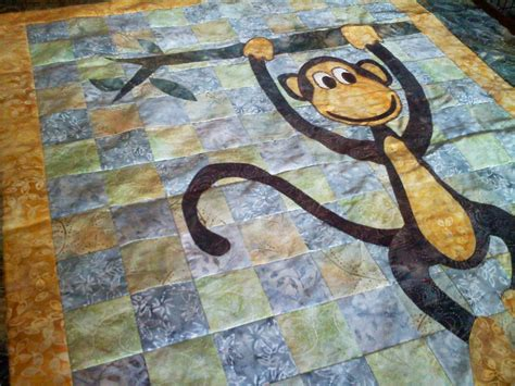 quilt pattern monkey the monkey baby quilt is taking shape quilt addicts