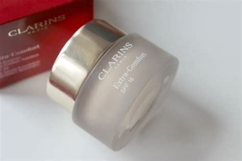 comfort foundation clarins extra comfort foundation review the sunday girl