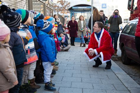 minihaus münchen weihnachtstruck besucht die t 246 lzer stra 223 e minihaus