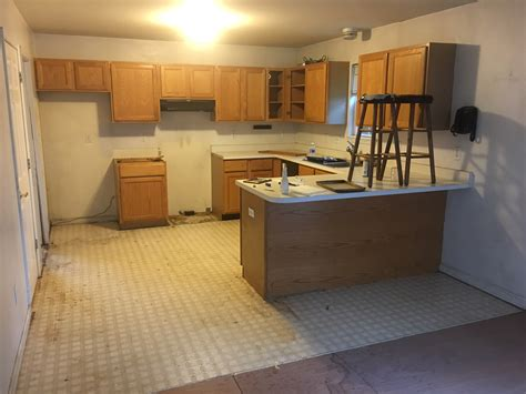 Updating a 90s kitchen ? WITHOUT Painting Cabinets!