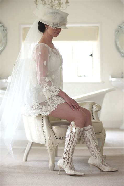 Stiefel Hochzeit by Lace Wedding Boots And Bridal Shoes House Of Elliot