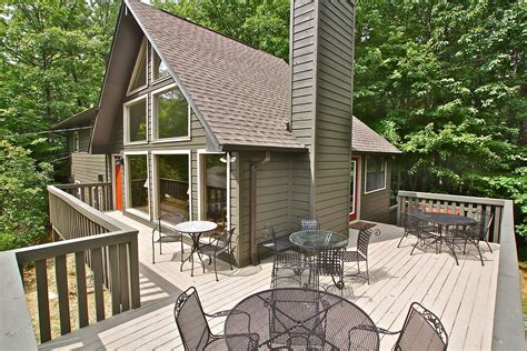 6 bedroom cabin rentals in gatlinburg tn mtn laurel chalets