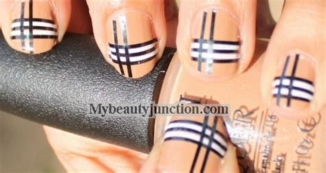 tutorial nail art burberry burberry plaid nail art design striping tape manicure