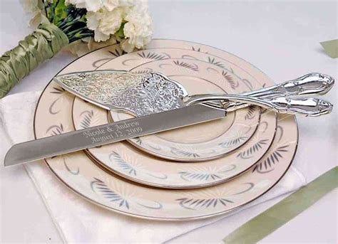 Serve Wedding Cake And by Embossed Cake Server Set Vintage