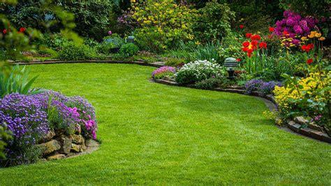 Parterre Garden Services by Prix Moyen Au M2 Pour La Cr 233 Ation D Une Pelouse De Gazon