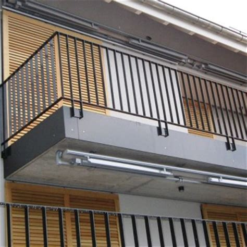 balkongeländer abstand stäbe metallbau tangemann metallbau
