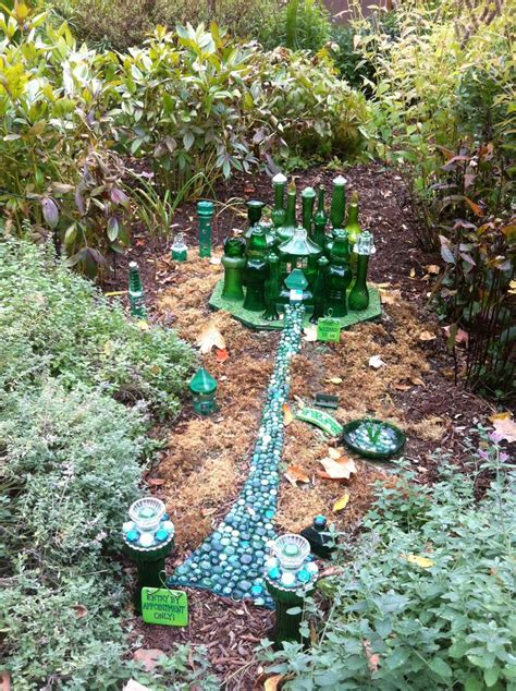 Emerald City Garden by 126 Best Images About Wizard Of Oz On Emerald