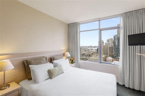 1 room apartment melbourne oaks on lonsdale melbourne hotel apartments