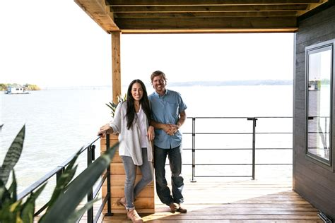 fixer upper houseboat episode episode 09 the double decker house magnolia market