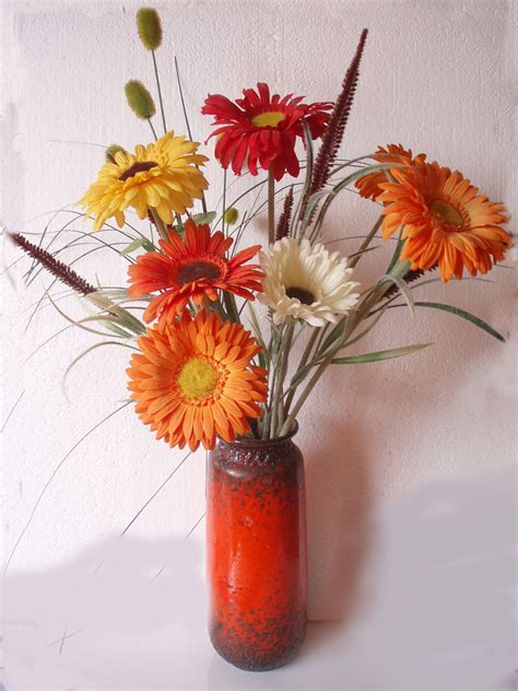 Vase To Vase Florist Reasons To Have A Vase Of Flowers In Decors