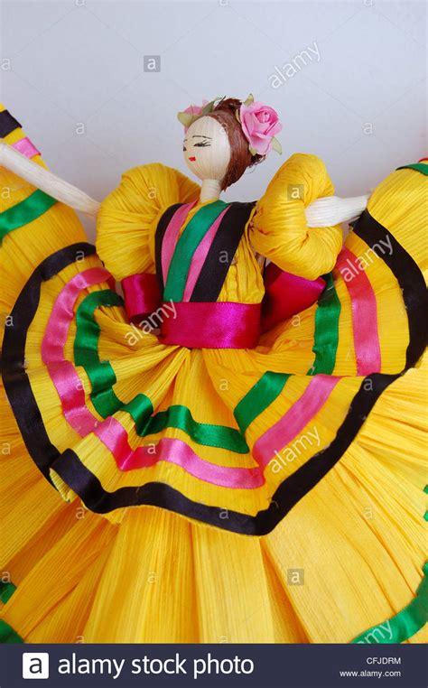 corn husk folklorico dolls mexican corn husk dolls www imgkid the image kid