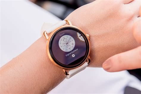 Smartwatch Fossil Q Wander fossil q wander smartwatch review the edit