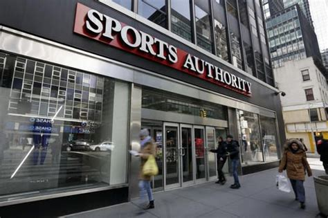 sports authority stores in michigan to report says