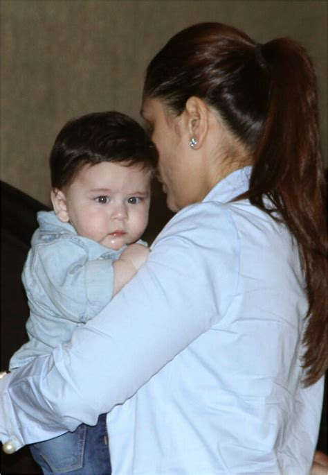 karina kapoor with son pic taimur ali khan steals the limelight on his night out with