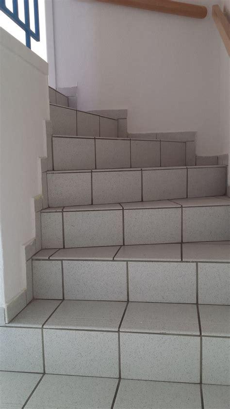 fliesen legen treppe treppe verkleiden hausdesign pro