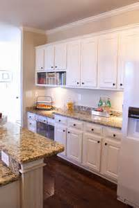 kitchen accentuate natural pictures kitchens oak cabinets best ideas amp design with islands backsplashes hgtv