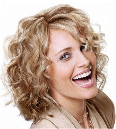 hairstyles for square face wavy hair short curly hairstyles for square faces hairstyles for