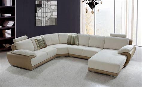 Moderne Sofa 237 by Modern Sectional Sofa
