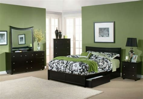 Green Paint Colors For Bedrooms by Relaxing Paint Colors For Bedrooms With Green Wall And