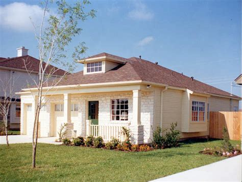 1 Story Homes by Small Luxury Homes Starter House Plans