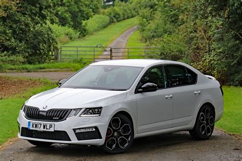 skoda used car prices skoda octavia hatchback from 2013 used prices parkers