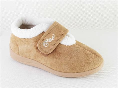 wide womens slippers womens dunlop wide orthopaedic slippers shoe