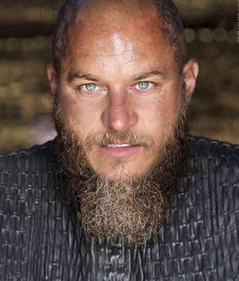 how to shape a beard like travis fimmel ragnar travis fimmel travis fimmel pinterest