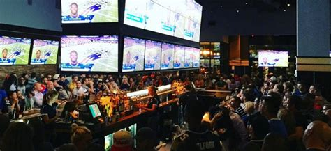 Top Sports Bars In Boston by Where To Football Best Boston Area Sports Bars