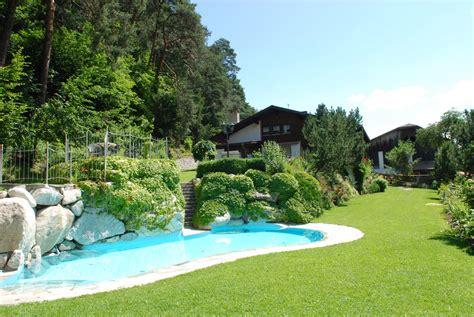 giardini con piscina foto giardini con piscina hotel villa clodia giardino con