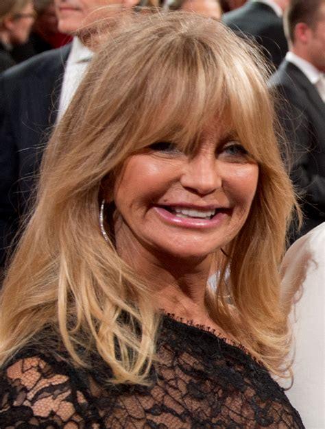 goldie hawn now photos goldie hawn plastic surgery breast implants botox