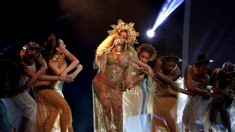 Beyonce Coachella by Beyonc 233 Drops Out Of Coachella 2017 Will Headline In 2018