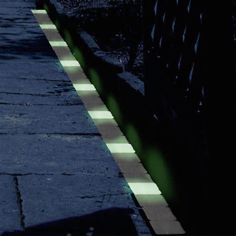Sidewalk Lighting Fixtures 29 Fantastic Garden Lighting Ideas