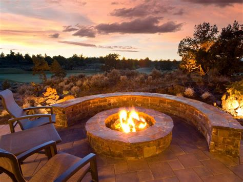 Outdoor Firepits Outdoor Fireplaces And Pits That Light Up The Diy