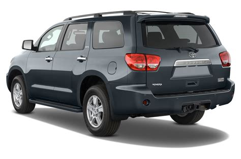 2010 toyota sequoia 2010 toyota sequoia reviews and rating motor trend