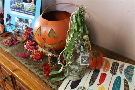 fast easy halloween decorations recycled materials quick and easy decor how to transform lanterns for