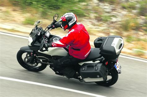 Suzuki V Strom Dl650 Review Suzuki Dl650 V Strom Abs 2011 On Review Mcn