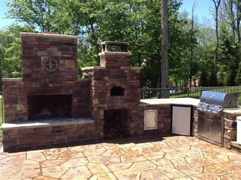 diy fireplace outdoor diy outdoor fireplace and pizza oven combos your diy outdoor fireplace headquarters