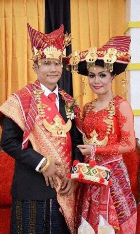 Baju Nikah Adat Batak baju pengantin wanita adat batak pengantin adat batak karo wedding inspiration