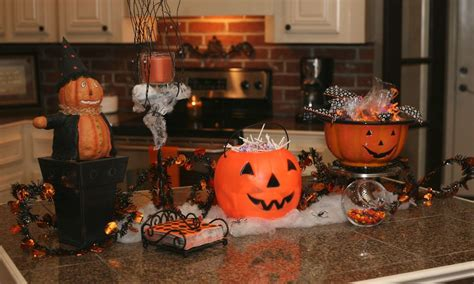 spooky halloween creepy kitchen decorations making the most haunted room at home mykitcheninterior 10 creepy decorations for a frightening halloween kitchen