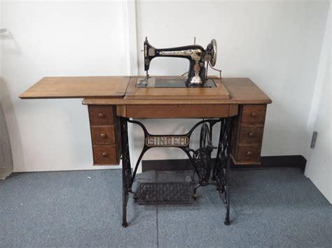 antique 1910 singer sewing machine w treadle cabinet ebay